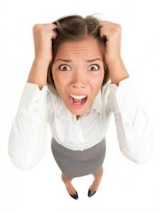 stres-panika-zena-strach-bolest-hlavy-trema