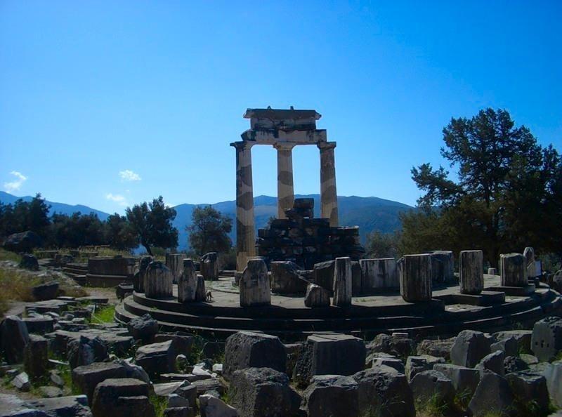 Ruiny chrámu v Delfách