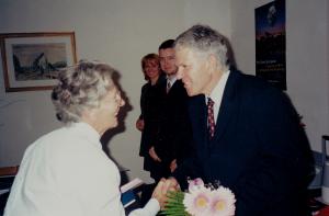 Ocenenie Veronika Kovalíková - Kongres EAWOP 2001 - 80. výročie uplatňovania psychológie práce a organizácie v Čechách a na Slovensku