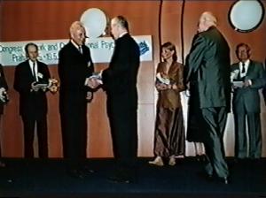 Milan Kubalák - Kongres EAWOP Praha 2001 Ocenenie za celoživotné zásluhy o rozvoj psychológie práce