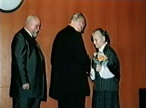Miluše Sedláková - Kongres EAWOP Praha 2001 Ocenenie za celoživotné zásluhy o rozvoj psychológie práce