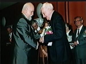 Lubomír Stejskal - Kongres EAWOP Praha 2001 Ocenenie za celoživotné zásluhy o rozvoj psychológie práce